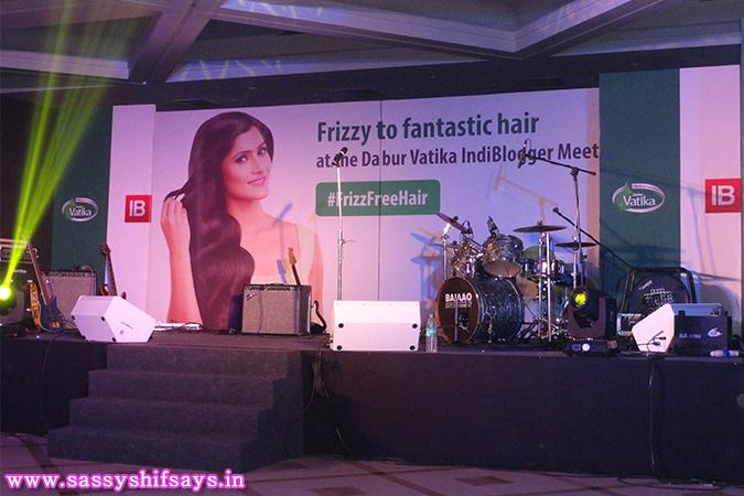 Dabur Vatika , Indiblogger, Champi, Hair Oil, Frizzy Hair, Frizz Free, Fashion blogger, Beauty