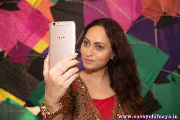 Oppo F1s Selfie Expert Has Me Bowled Over
